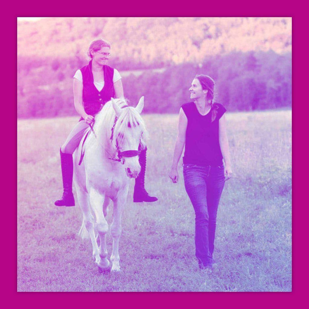 LIVE LOVE RIDE Pferdemädchen Podcast Sabine Blank mit Katharina Möller und Claudia Weingand von Osteo Dressage